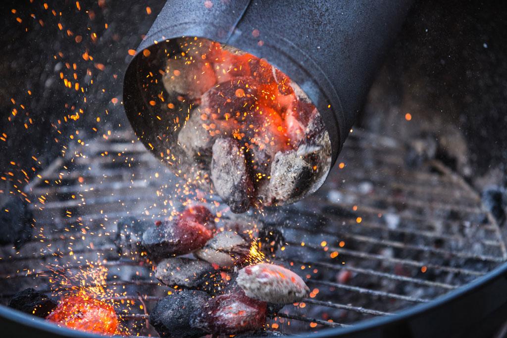 Gas oder Kohle? Hier erfahren Sie, was beim Wintergrillen die beste Option ist!